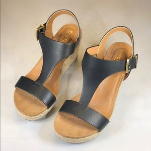 [233] Kenneth Cole Reaction 6M Women's Card Wedges
